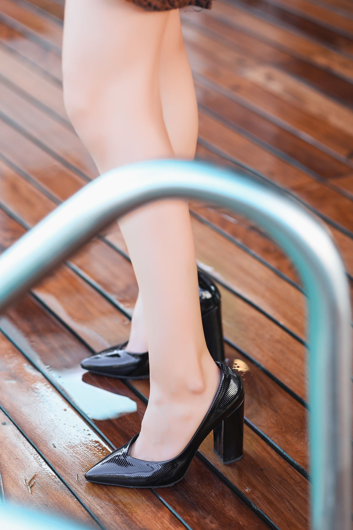 Adrix Siyah Rugan Desenli Topuklu Ayakkabı
