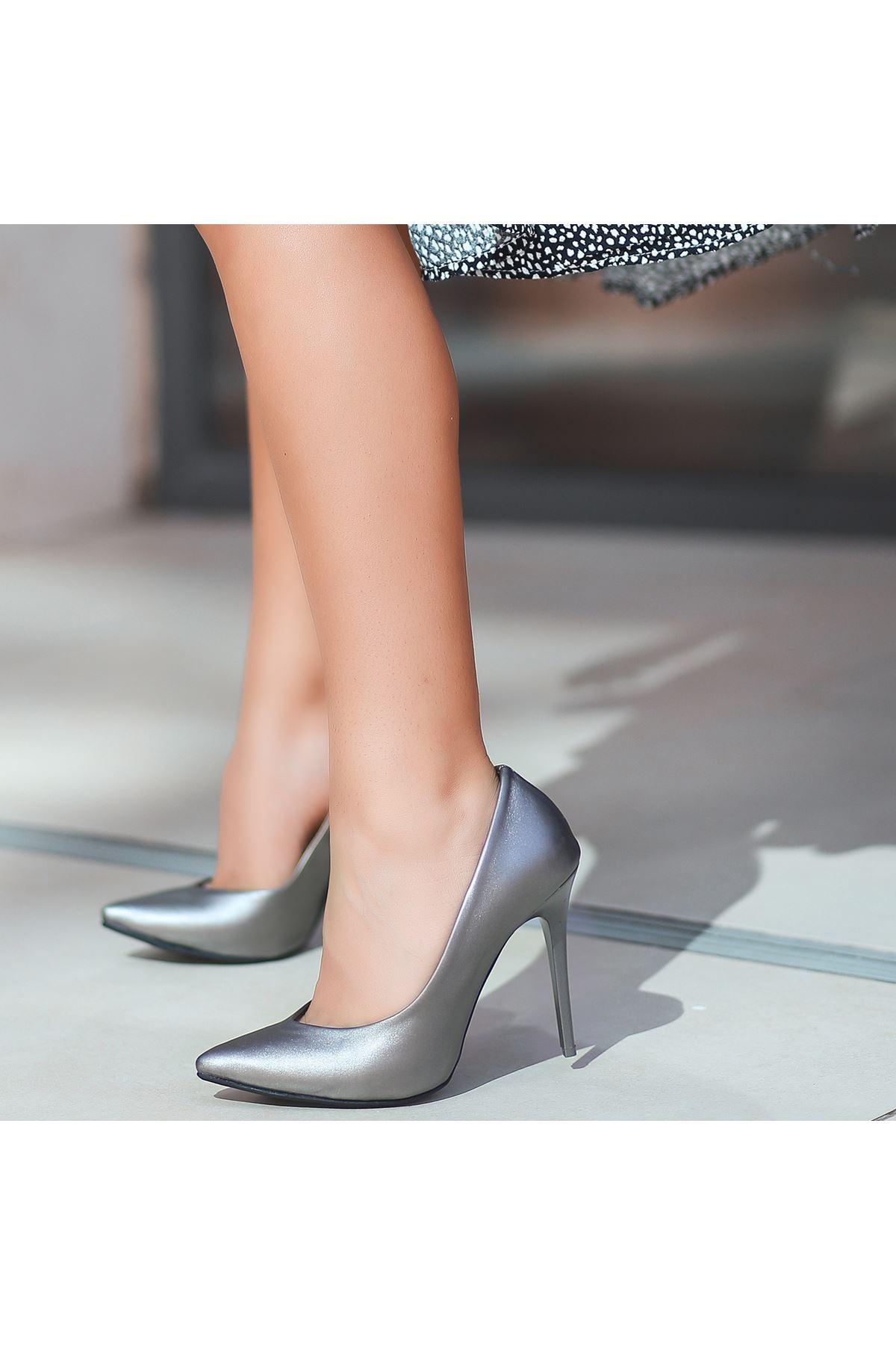 Nocix Gri Cilt Stiletto Ayakkabı