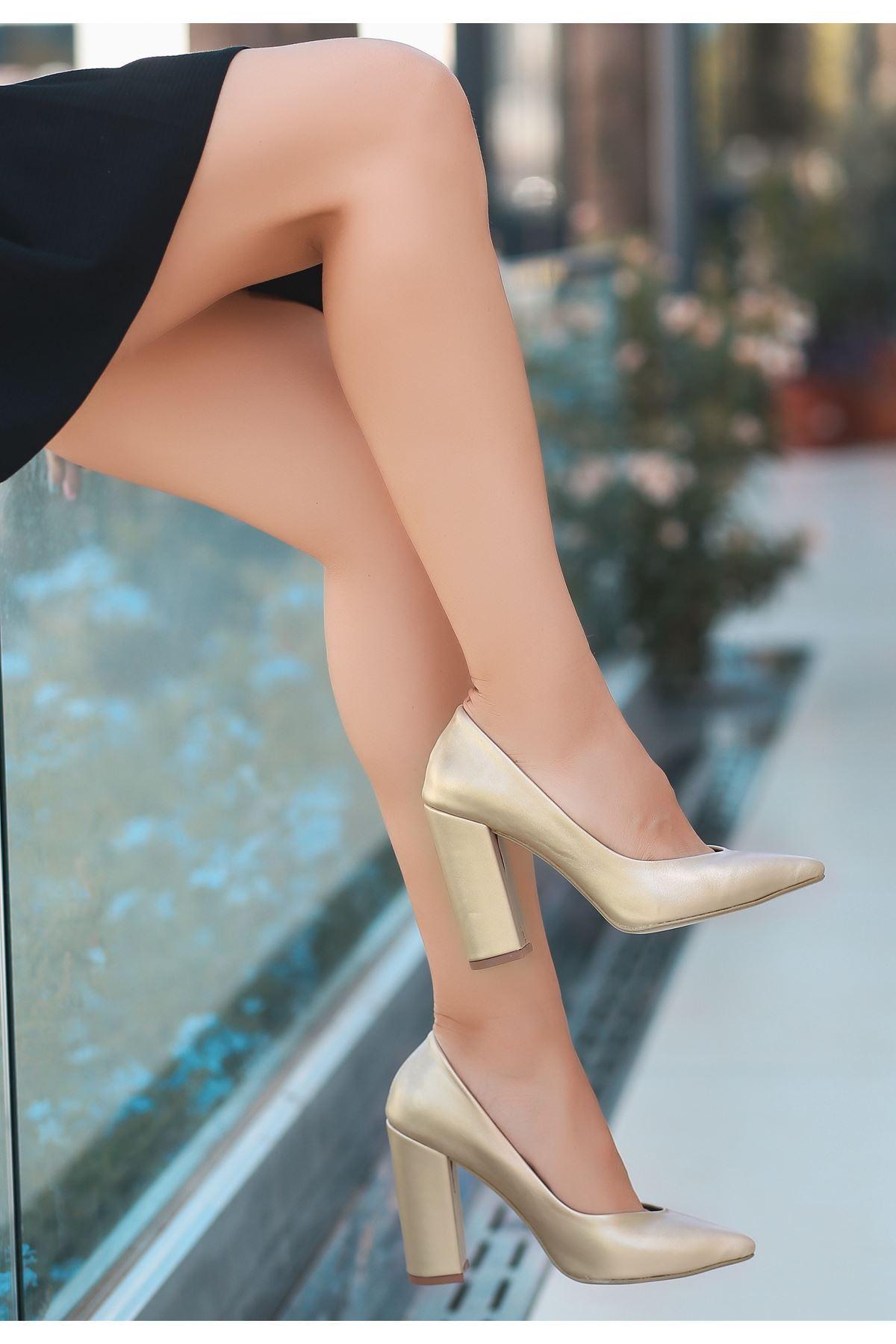 Adrix Gold Cilt Topuklu Ayakkabı