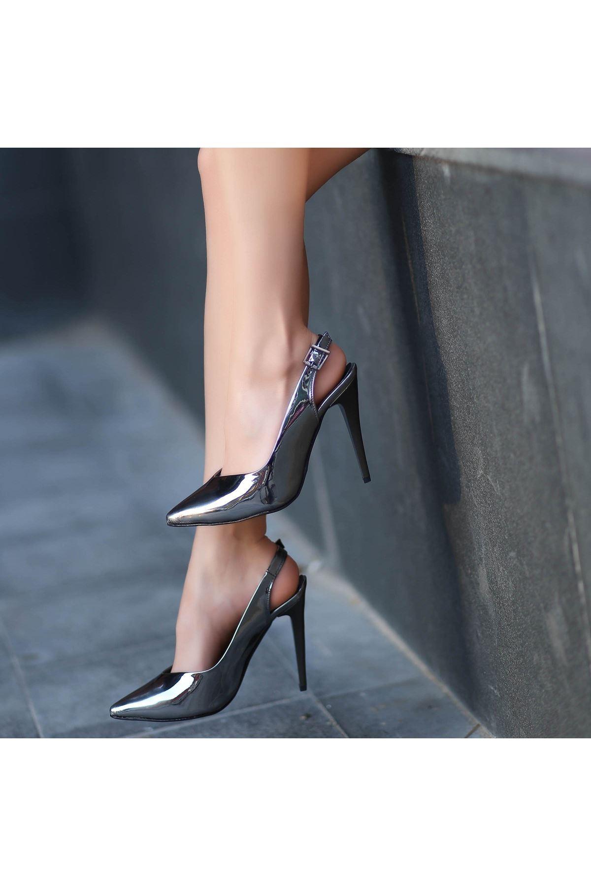 Gomi Ayna Rugan Topuklu Ayakkabı