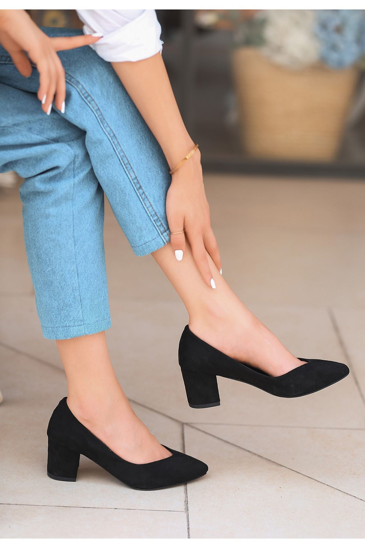 Manina Siyah Süet Topuklu Ayakkabı