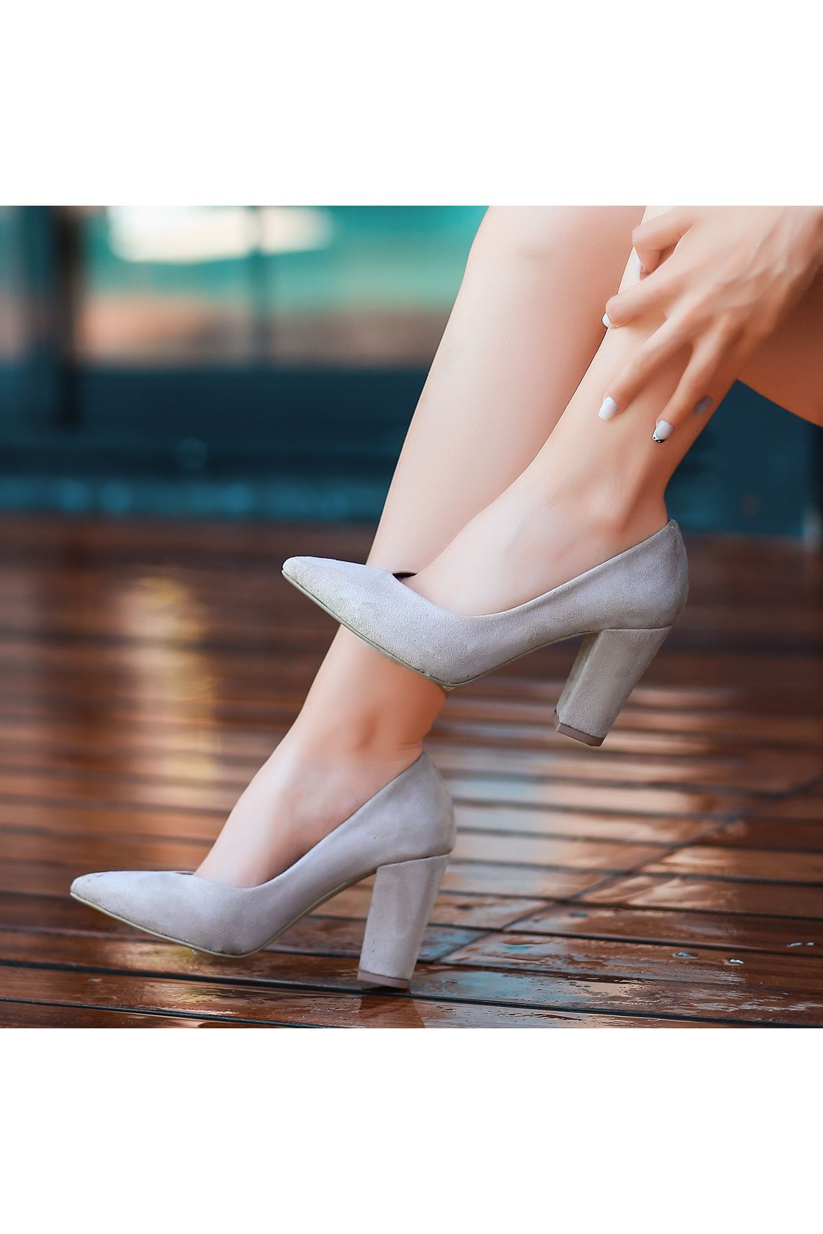Adrix Krem Süet Topuklu Ayakkabı