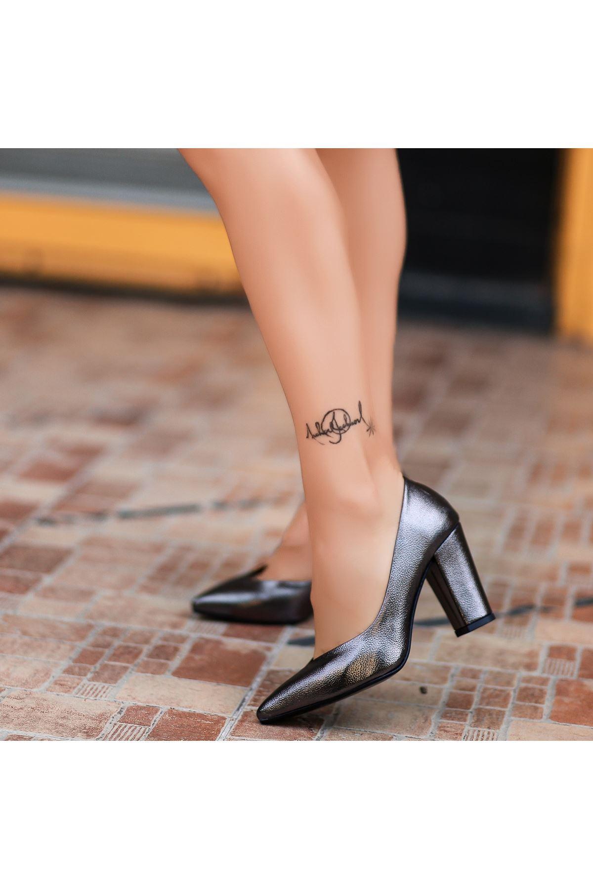 Adrix Platin Cilt Topuklu Ayakkabı