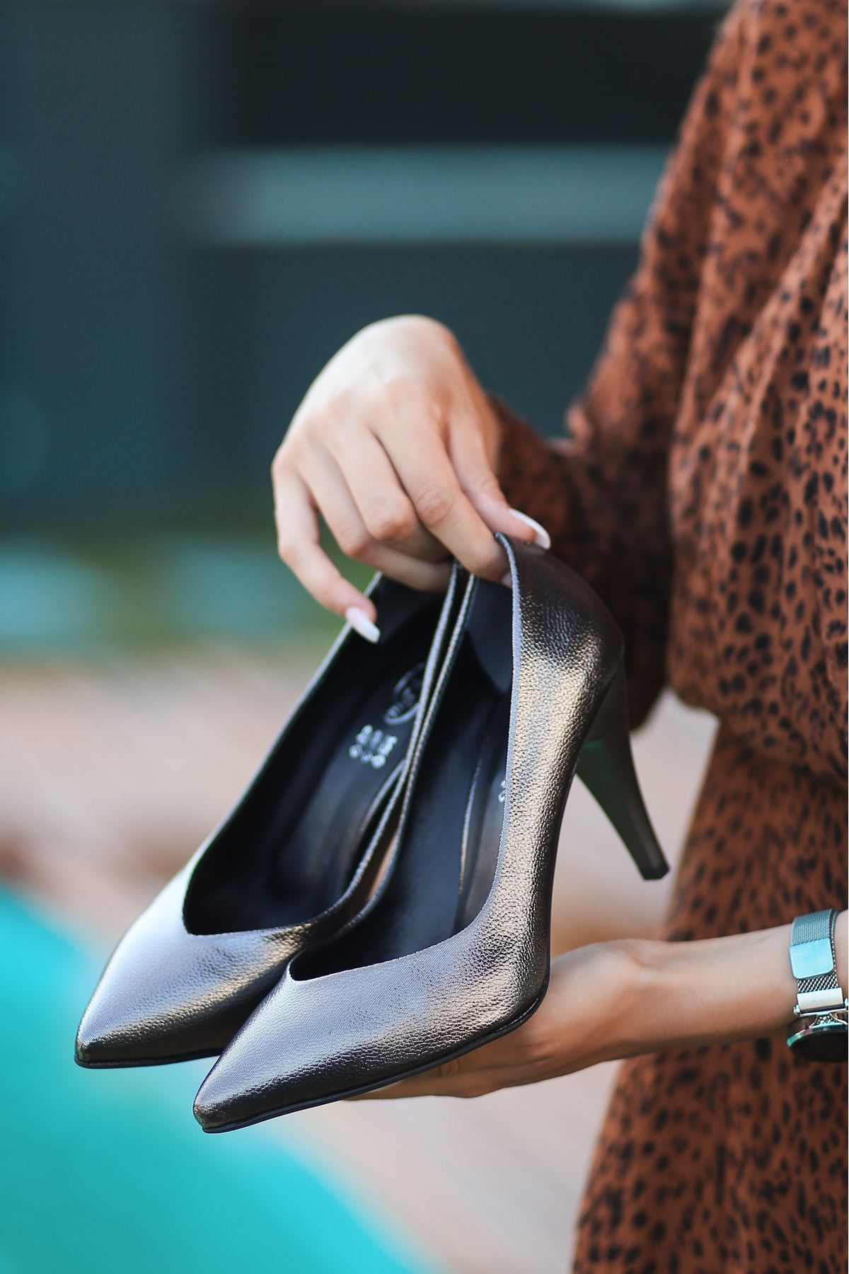 Xina Platin Cilt Desenli Stiletto Ayakkabı