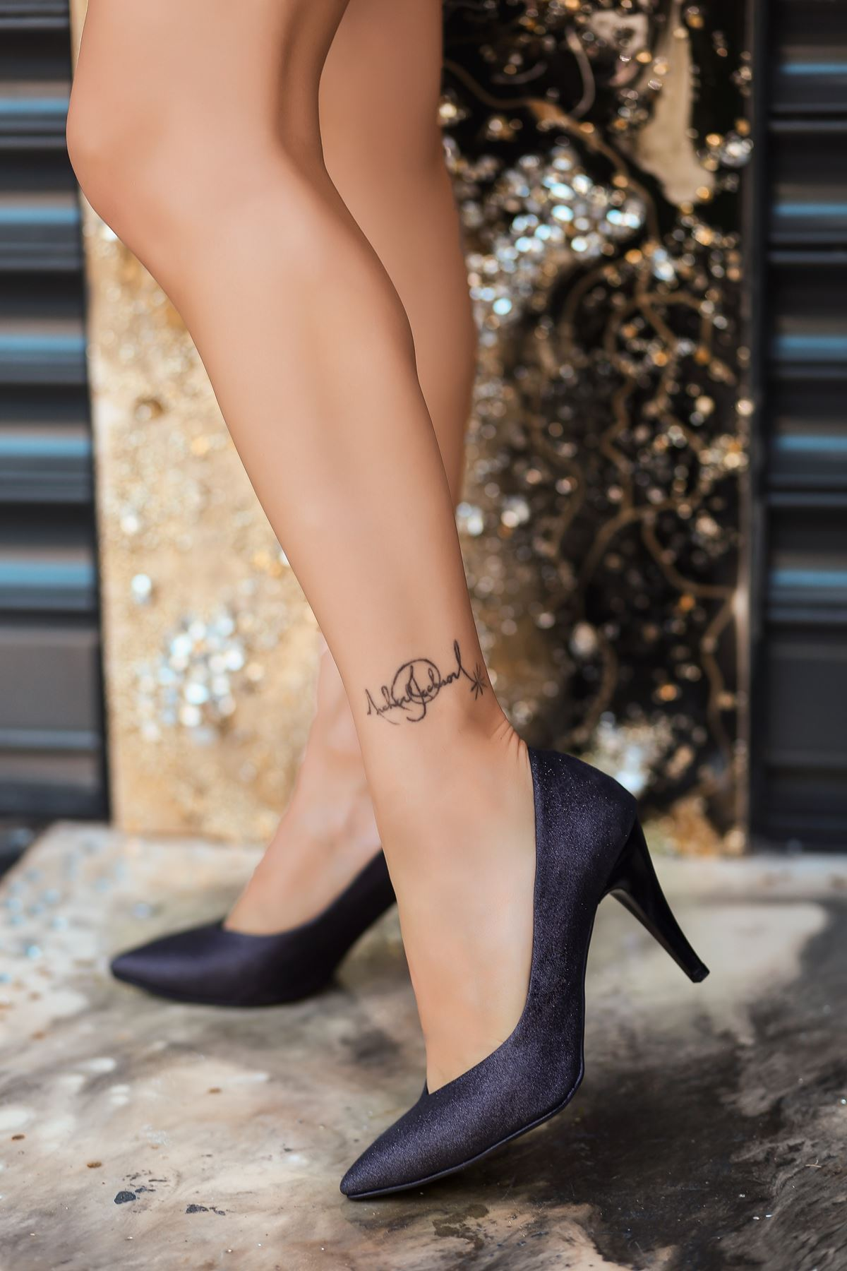 Xina Siyah Cilt  Simli Stiletto Ayakkabı