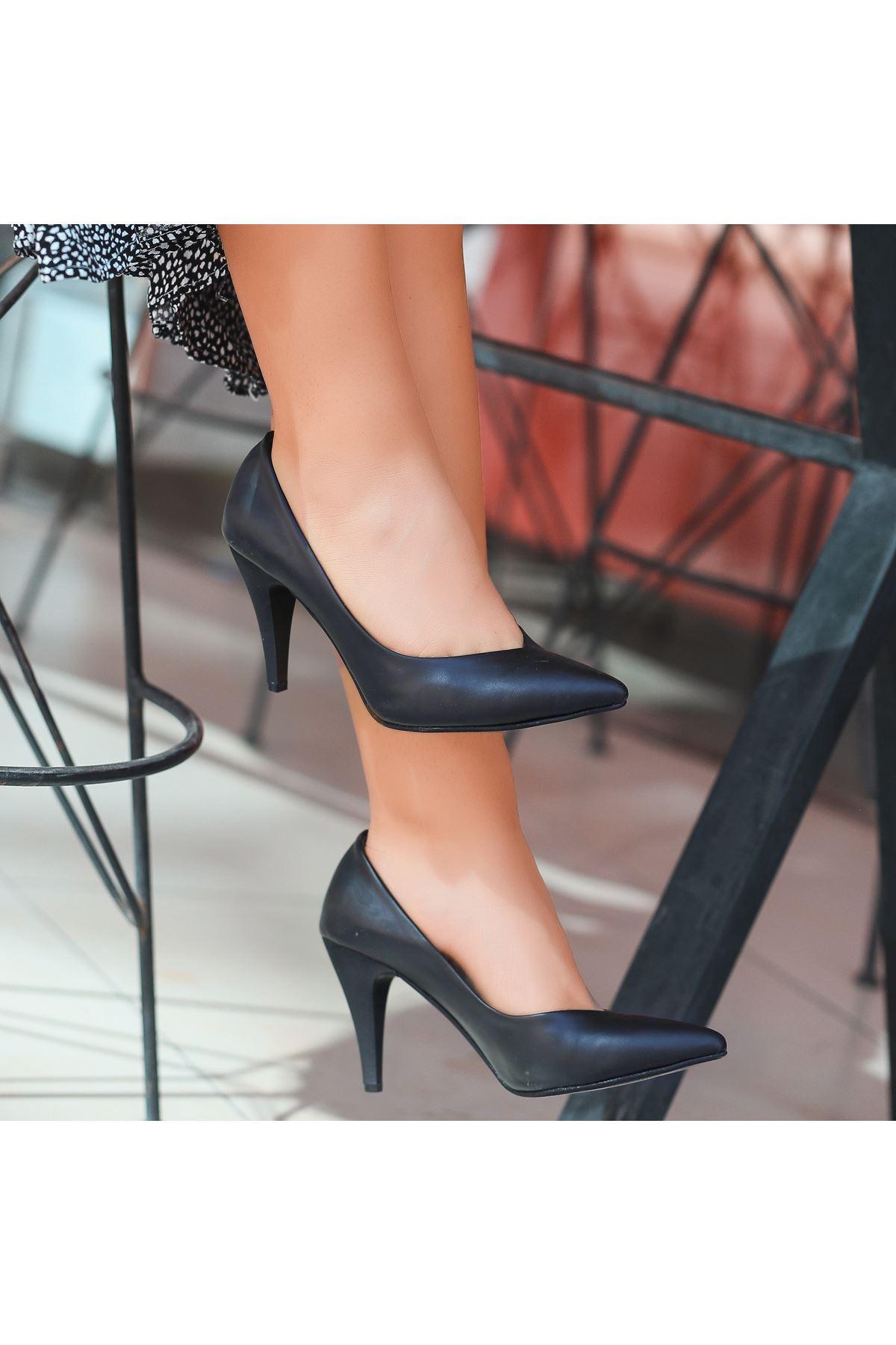 Xina Siyah Cilt  Topuklu Ayakkabı