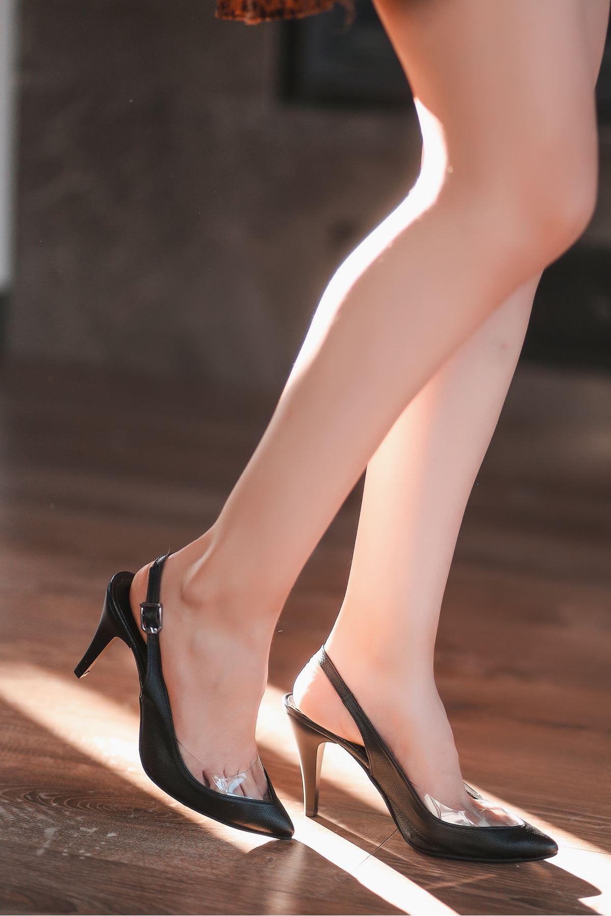 Jond Siyah Cilt Topuklu Ayakkabı