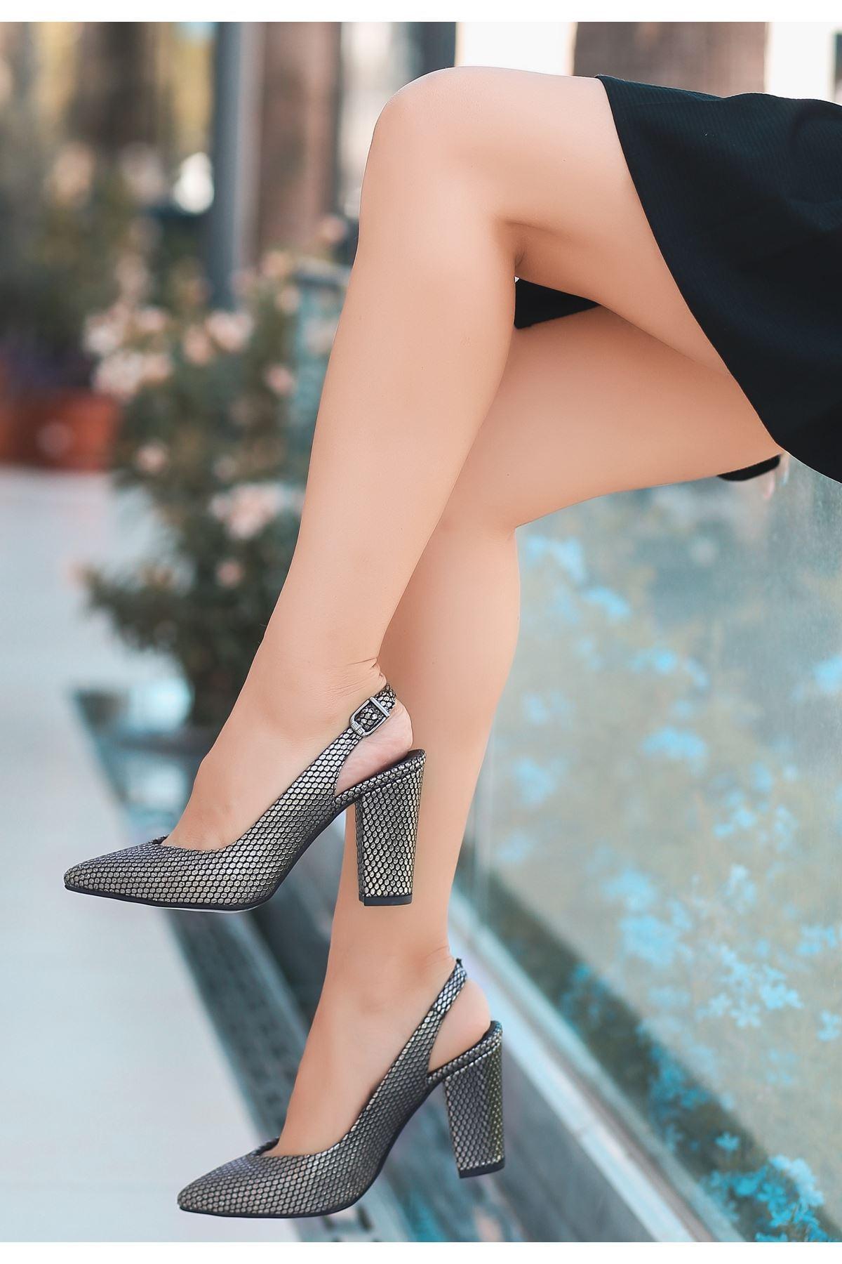 Jond Gri Cilt Desenli Topuklu Ayakkabı