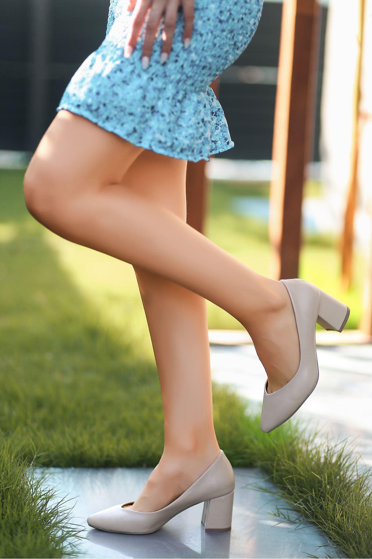 Manina Krem Cilt Topuklu Ayakkabı