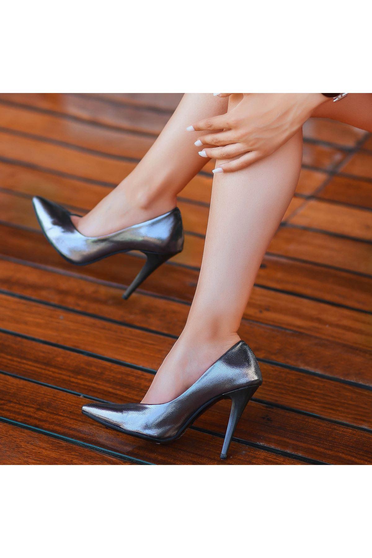 Nocix Platin Rugan Desenli Stiletto Ayakkabı